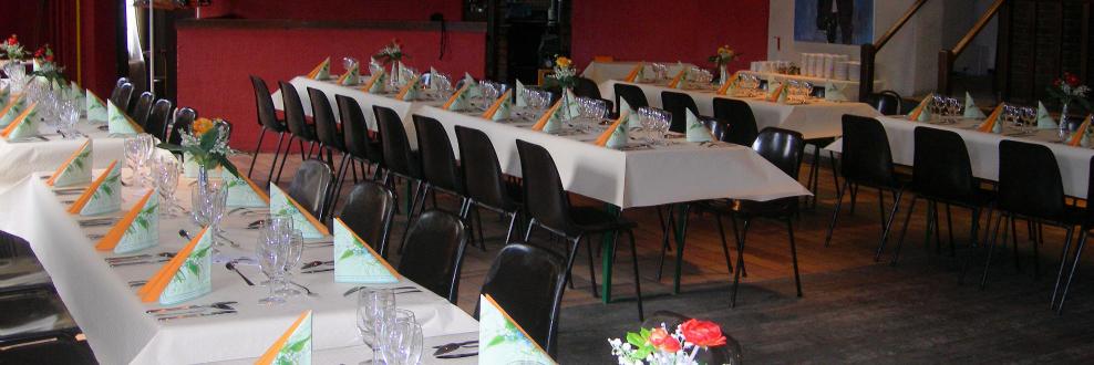 Salle décorée pour dîner...